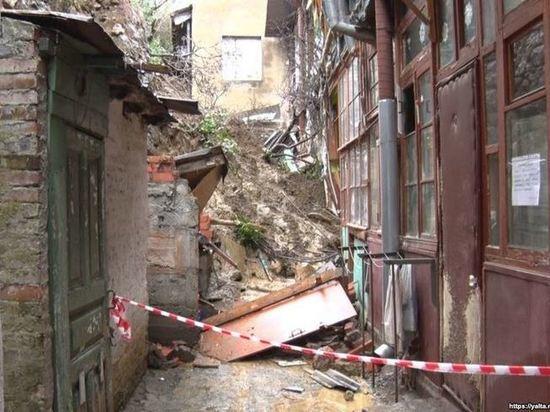 Пострадавшим от схода селя в Ялте дали временное жилье