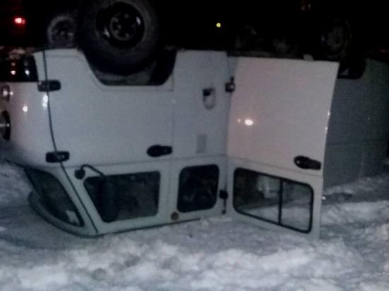 В Дубовском районе из-за заклинившего колеса УАЗа пострадали двое