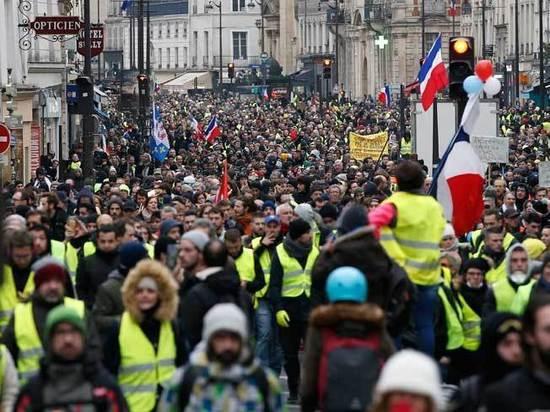 Новые протесты: «Желтые жилеты» не дали Макрону съездить в Давос