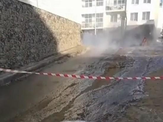 В Березовом из-за аварии почти 40 домов остались без воды и тепла