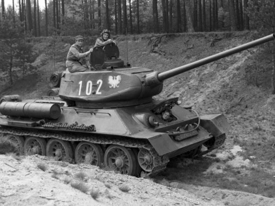 В Улан-Удэ «проспали» эшелон с танками Т-34 из Лаоса
