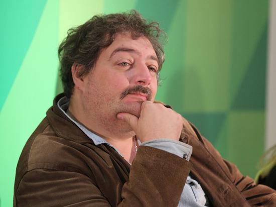 На порассуждавшего об успехе Гитлера писателя Быкова пожалуются в прокуратуру
