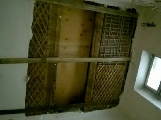 Прокуратура начала проверку по факту обрушения потолка в доме в Нижнем Тагиле