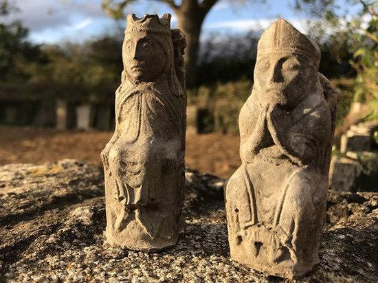 По мнению археологов, статуэтки использовали в качестве оберегов