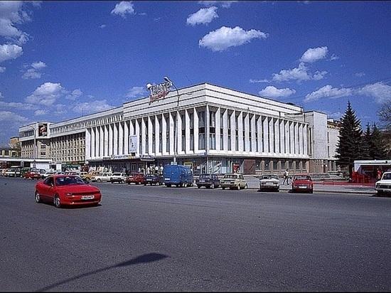 Было просвещение, пришло разрушение: Екатеринбургские застройщики уничтожают советский модернизм