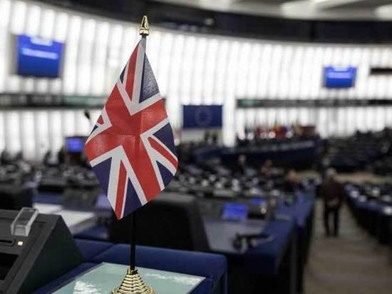 Британия погрузилась в кризис из-за отказа парламента принять план Brexit