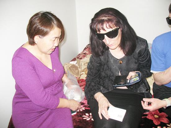 Как обычный смартфон помогает незрячим жителям Улан-Удэ обходиться без посторонней помощи