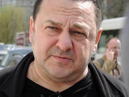 У Игоря Саруханова украли зеркала с внедорожника