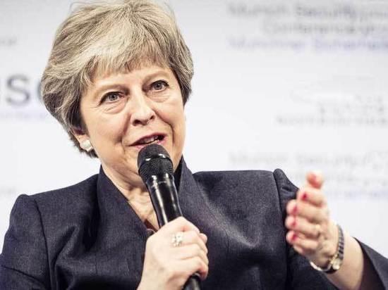 Пиррова победа Мэй: осталась премьером, но что делать с Брекситом