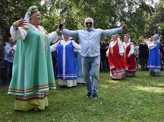 У свердловчан свой календарь: издан справочник народных праздников