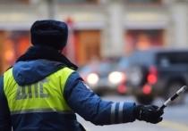 В Новомосковске задержали девушку за попытку дать взятку полицейскому