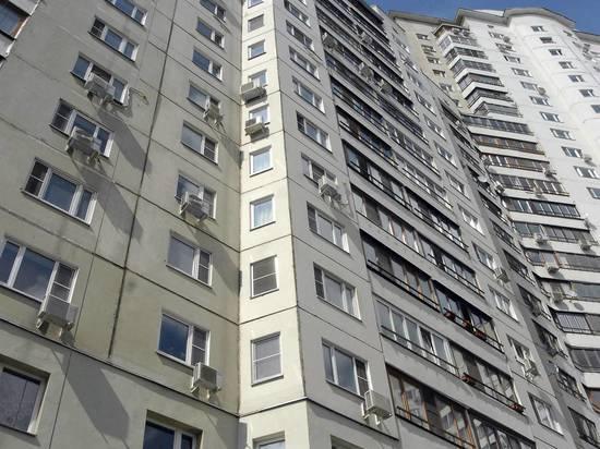 Адвокат в Москве выжил, упав с 8-го этажа