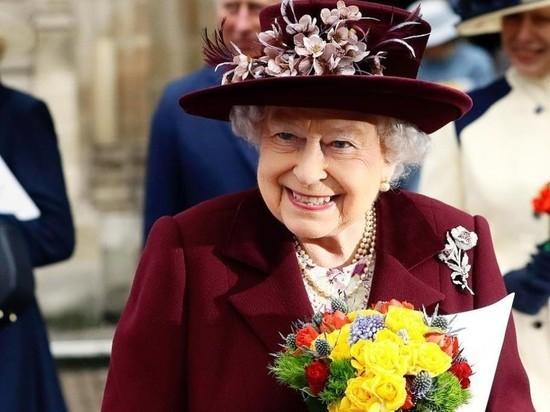 Королева Елизавета нарушила ПДД за рулем внедорожника
