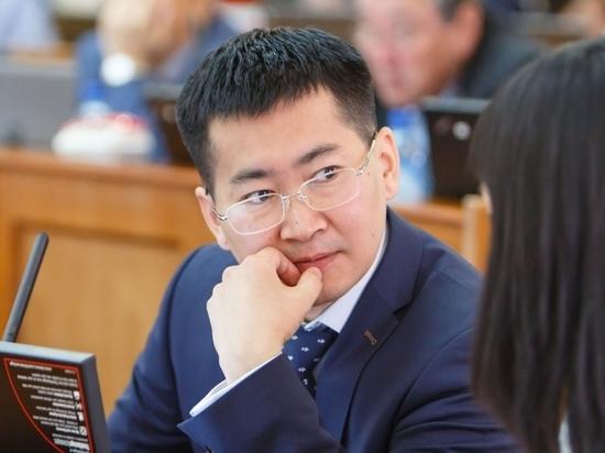 Николай Будуев посетовал на дефицит активных депутатов в Бурятии