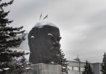Коммунисты зовут жителей Улан-Удэ возложить цветы Ленину