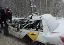В Екатеринбурге погиб водитель, автомобиль которого врезался в тягач