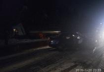 Водитель погиб, попытавшись обогнать грузовик в Тверской области