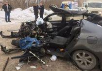 Два человека пострадали в жестком ДТП с такси в Кемерове