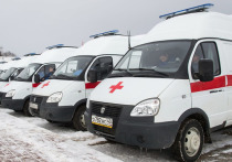 Калужские медики получили новые машины скорой и передвижные ФАПы