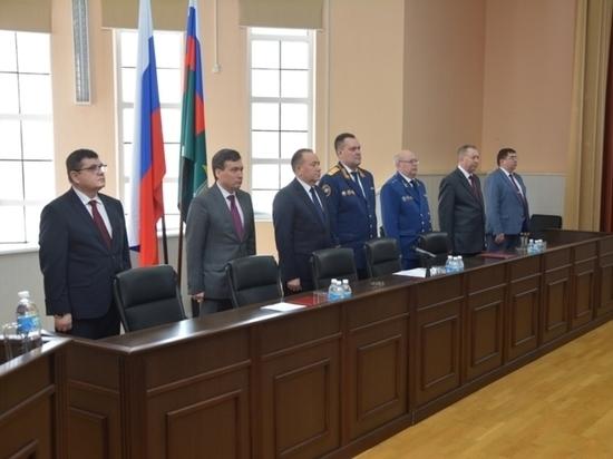 За год чувашские сыщики возбудили более 200 уголовных дел о коррупции