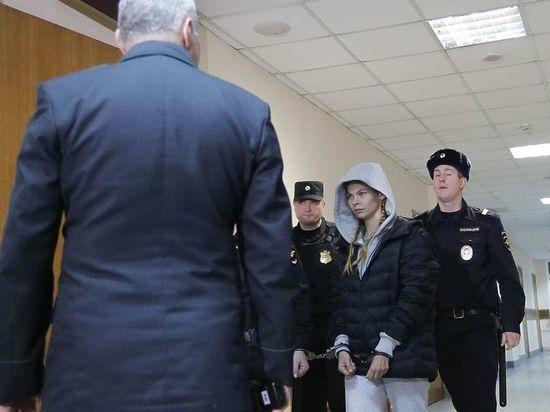 Адвокат рассказал об очной ставке Насти Рыбки с Сашей Травкой