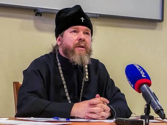 Как журналист у псковского митрополита Тихона стакан просил
