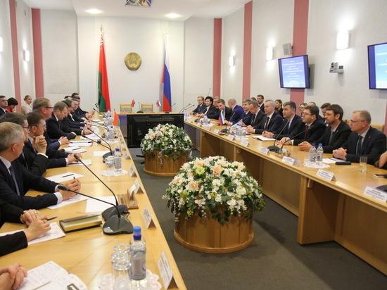 Губернатор НСО обсудил товарооборот с коллегой из Могилевской области