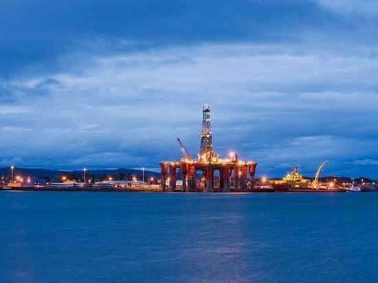 На что тратят доходы от нефти другие страны: сравним с Россией