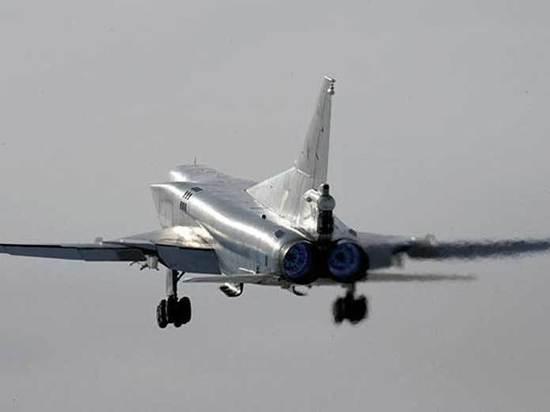 Резкий порыв ветра со снегом мог помешать экипажу посадить самолет Ту-22М3
