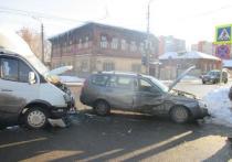 В ДТП на Староникитской в Туле пострадали две женщины