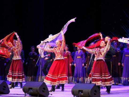 Сибирский русский народный хор вызвал овации в Беларуси
