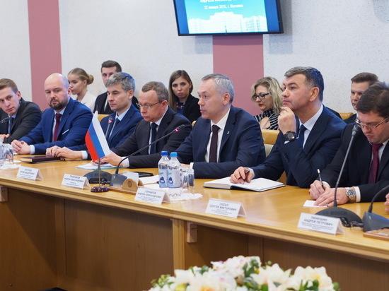 Губернатор: Отношения между НСО и Беларусью могут развиваться быстрее