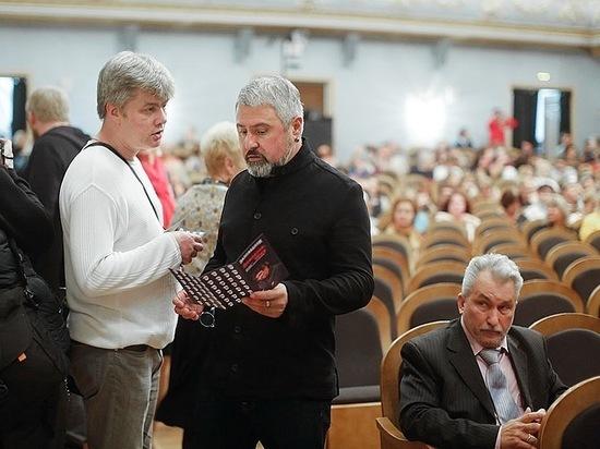 Пушкинский фестиваль распродаёт «Ревизора»,  надеясь заманить псковского губернатора в театр