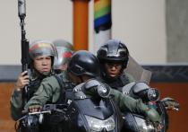 Судьба переворота в Венесуэле сейчас зависит от местных военных и силовиков — как они себя поведут? Кто поддержит Мадуро, а кто — Гуаидо? Сейчас армия этой страны, за исключением флота и транспортной авиации, практически полностью оснащена российским оружием