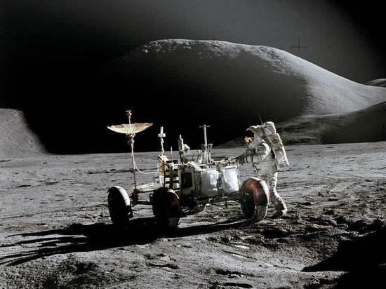 На Луне обнаружены следы метеорита с Земли