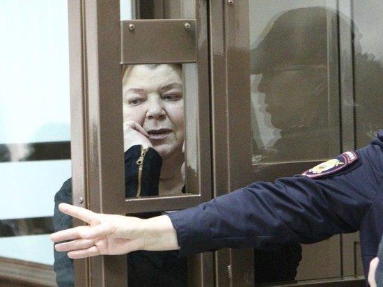 «Сука, тварь конченная»: главбуха «Седьмой студии» заклеймили в суде