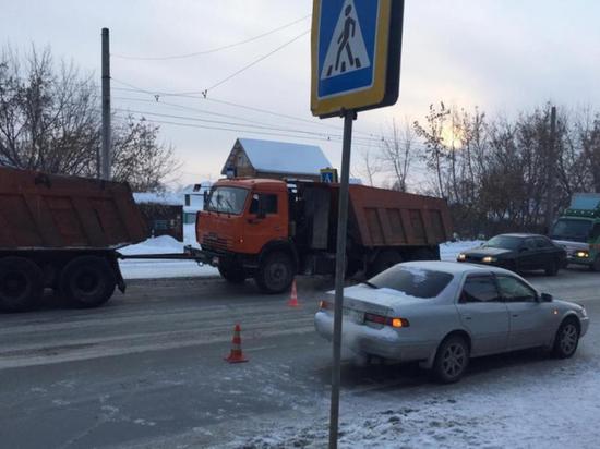 Две новосибирских автоледи сбили ребенка на пешеходном переходе