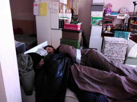 Мать-одиночка с дочками оказались «заложницами» кавказцев-подселенцев в Москве