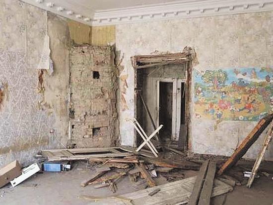 В Петербурге разразился скандал вокруг дома Лермонтова