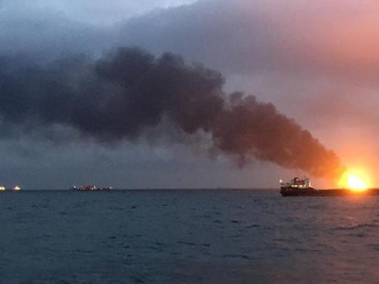 На танкере в Черном море прекратился открытый огонь