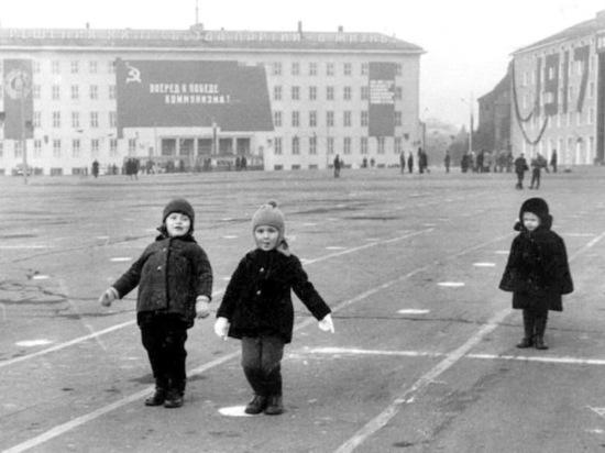 Это было время на пути Калининграда к своему советскому облику.