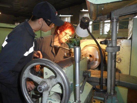 Как неслышащие получают профессию и находят работу в Кузбассе