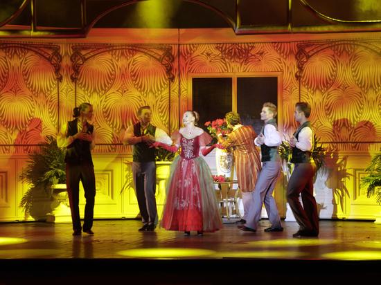 В Екатеринбурге легендарный роман впервые перенесен  на театральную сцену