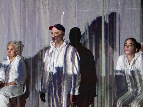 Карнавал уродцев: рецензия на спектакль «Деликатес» ижевского театра «Les Partisans»