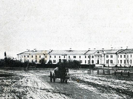 Как здания на Круглой площади Петрозаводска переходили из рук в руки
