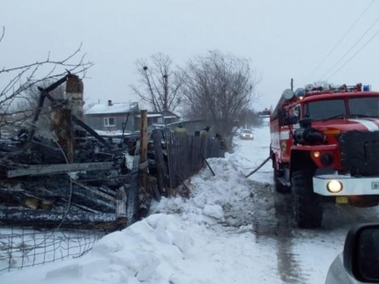 Жительница Хабаровского края и трое детей погибли при пожаре в частном доме