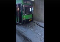 После ДТП с автобусом в Новосибирске госпитализировали 11 человек