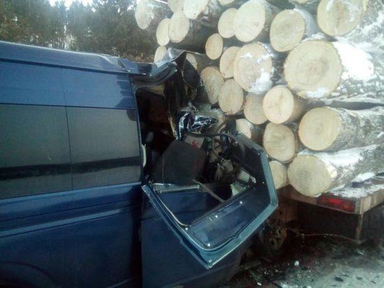 В Иркутск доставили двоих пострадавших в утреннем ДТП с маршруткой