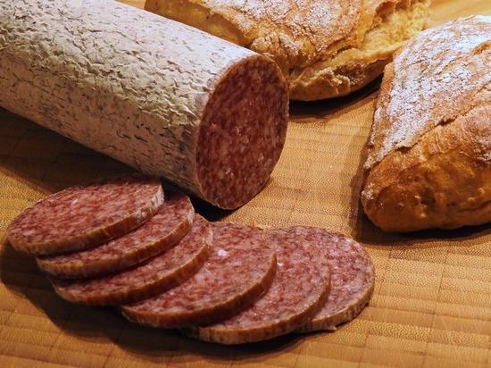 Российские ученые создали колбасу для лечения переломов конечностей