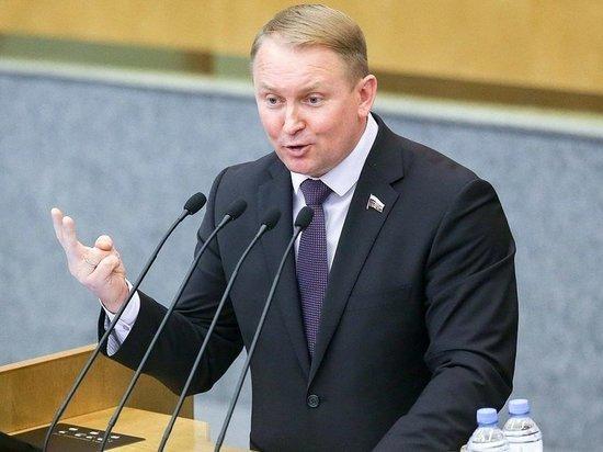В Госдуме предложили ввести смертную казнь для коррупционеров